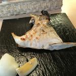 熟成魚と日本酒と藁焼き 中権丸 - 何かのカマ焼