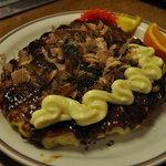 ばん - お好み焼き(肉たま・450円)