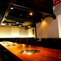 BAKURO - モダンなインテリア 贅沢な個室も御用意しております