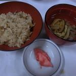 料亭那覇 - 炊き込みご飯とお吸い物