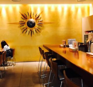 シターラ・ダイナー エキュート品川店 - 店内も品川駅構内で落ち着きます。
