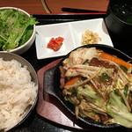 個室ジンギスカン 虎ノ美羊 - たっぷり野菜のジンギスカンランチ