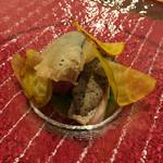 ABARIS - へ鯛にカツオのペースを乗せて焼いたもの…黄色のペラペラはビーツ…ナスのベニエ…しか覚えられませんでしたが、どれも手が込んでいて美味しかったです♪