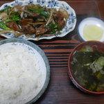 将軍野会館 - 料理写真:レバニラ炒定食 600円