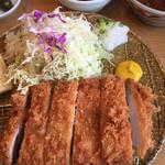 とんかつ玉藤 - 料理写真:三元豚ロースかつ定食