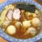 かでかる - 料理写真:特製ワンタン麺