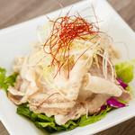 シブヤ ボウリング カフェ - 鹿児島産やごろう豚の冷しゃぶサラダ