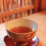 蓮香 - 紹興酒は和骨董のお茶碗で