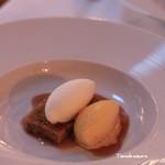 La table au japon - フルーツのケーキとミルクアイス+パッションフルーツアイス載せ