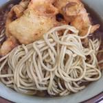 文殊 - 麺はしなやか、生麺湯掻いている?