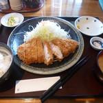 富山豚食堂 かつたま - 極上とろロースカツ定食
