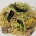 ビストロ魚バカ一代 - 夏野菜とイワシのペペロンチーノ