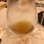 レストラン ラ フィネス - 鮎のコンソメ