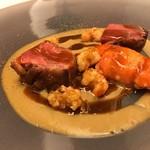 レストラン ラ フィネス - 京都亀岡の窒息鴨と阿寒湖のエクルビス ザリガニと鴨のソース
