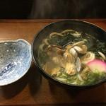 飯田屋 - 料理写真:アサリうどん600円 殻入つき