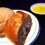 ホテル ミクラス - ディナー(パンとオリーブオイル)