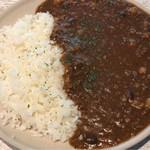 洋食酒場 ラフィン - 挽肉と4種の豆のカレー ¥800