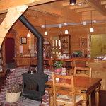 ログキッチン ヴァレ・ノワール - 薪ストーヴのある風景1