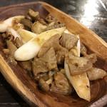 5感 小皿イタリアン&ワイン - 牛もつガーリック(税別580円)