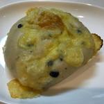石窯工房神戸屋 - オリーブとチーズのフォカッチャ