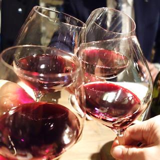 イタリア人ソムリエが厳選したイタリアワインが充実