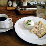 70252774 - ズコットと洋梨のシャーベット、コーヒー