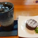 カフェ マニマニ - ケーキセット@600