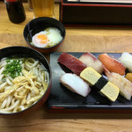 立喰い寿司 七幸 - うどんセット930円