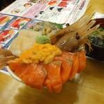 北のどんぶり屋 滝波食堂 - わががま丼4品(2300円)