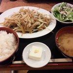 海虎 - ホルモン炒めランチ(680円)