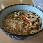 山麓駅食堂 アルペンフローラ - きのこうどん(830円)