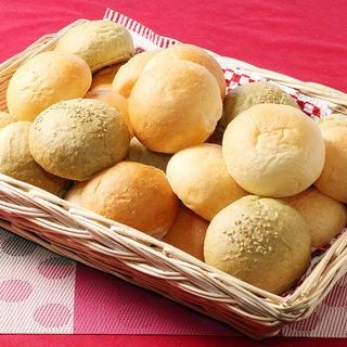 レストランオリーブ特製の自家製パン