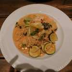 70265813 - ズワイガニと旬野菜のトマトクリームソース