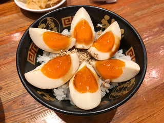 金澤濃厚豚骨ラーメン 神仙 品川品達店