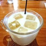 豆茶香&あぷり - ドリンク写真:チョコレートクッキーミルク。450円。