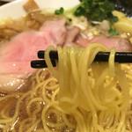 らーめん 稲荷屋 - 醤油ラーメン細麺