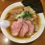 らーめん 稲荷屋 - ワンタン麺900円