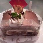 7027585 - チョコレートのロールケーキ