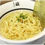 中華そば馥 - 透明度の高い冷製スープ♪美しいだけでなくしっかり美味しいです。