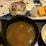 めしの助 - 日替わり焼魚定食(太刀魚):小鉢は、ポテトサラダ