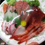 古清水産 - 料理写真:お刺身の盛合せ(1600円)!