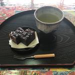 茶釜 セルフカフェ エルモット - ドリンクセット(小豆羊羹と玉露ブレンド茶)