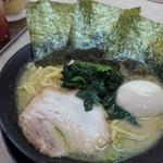 横浜家系ラーメン せんげん家 - 豚骨醤油玉子