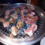 島田屋 - 七輪で煙がモクモク