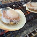 焼蛤 浜茶屋 向島 - ホタテもプリプリ!