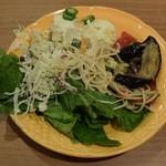 ステーキハウス ブロンコ ビリー - サラダの一例