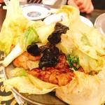 慶楽 - 蠔油牛肉。半煮えなレタスが旨い