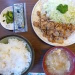 ふる川 - 料理写真:豚肉ニンニク炒め定食