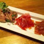 肉酒場 VOLTA - 3種の生ハム盛り合わせ