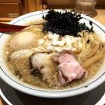 焼きあご塩らー麺 たかはし - 味玉入背脂醤油らー麺(900円)